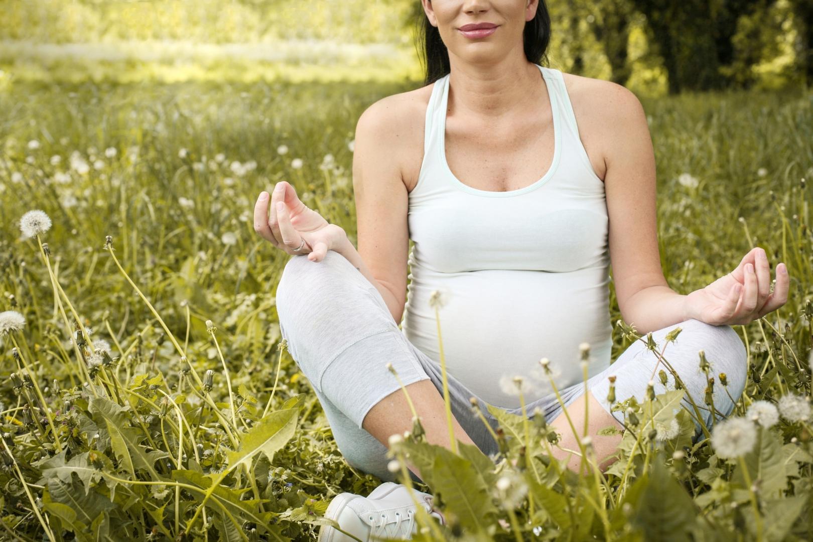 Yogaschule Carolin Flinker Schwangere Yoga